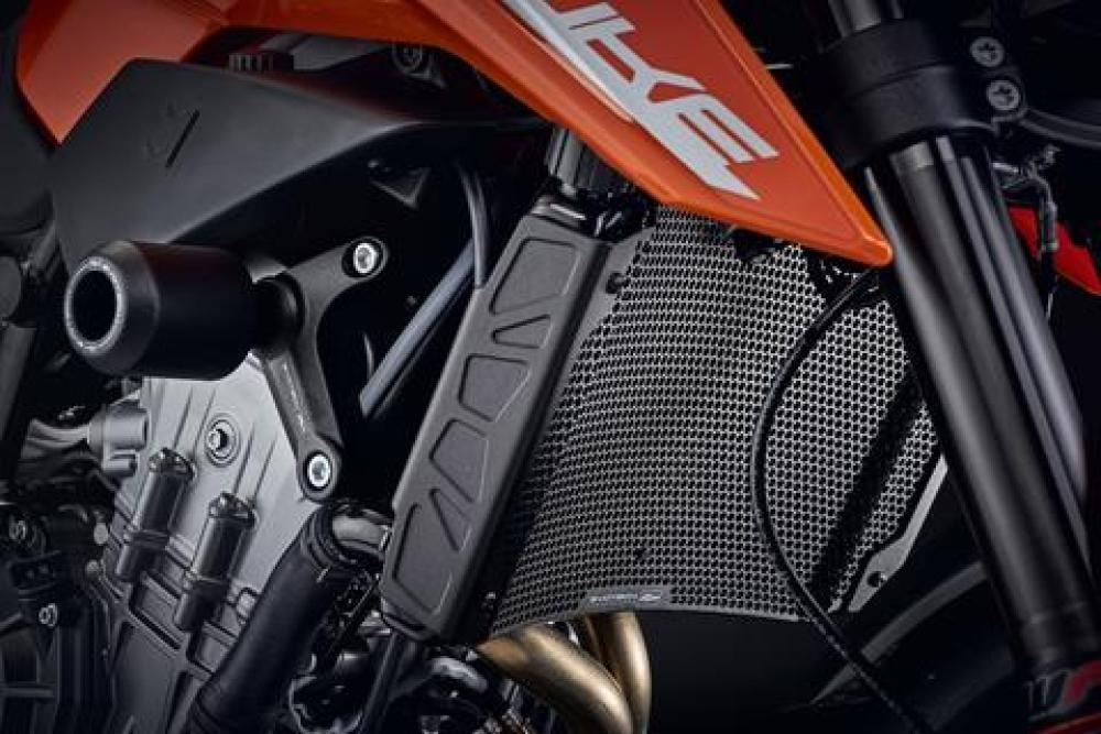 KTM 790  from 2018 Radiator guard from  Evotech Performance